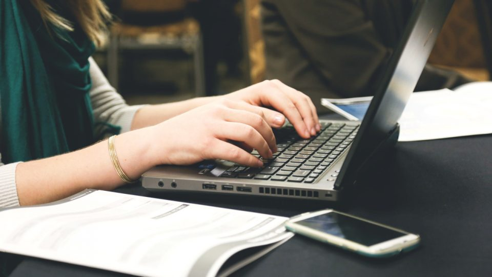 profesor elearning curso online ordenador