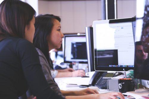 involucrar empleados employees