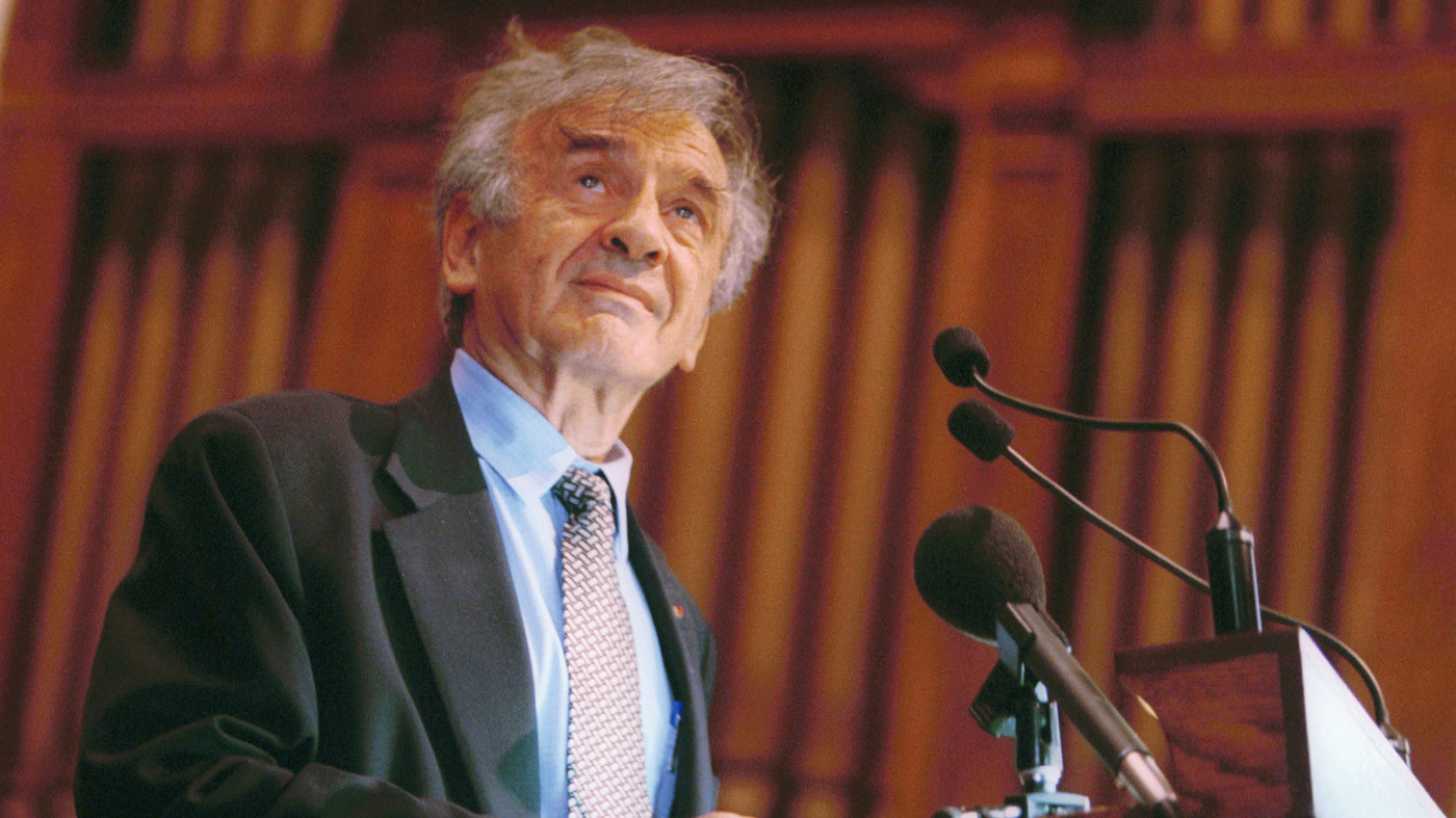 Elie Wiesel speaks at Vermont's Middlebury College in 2002. The Holocaust survivor, Nobel laureate and author died July 2 at the age of 87